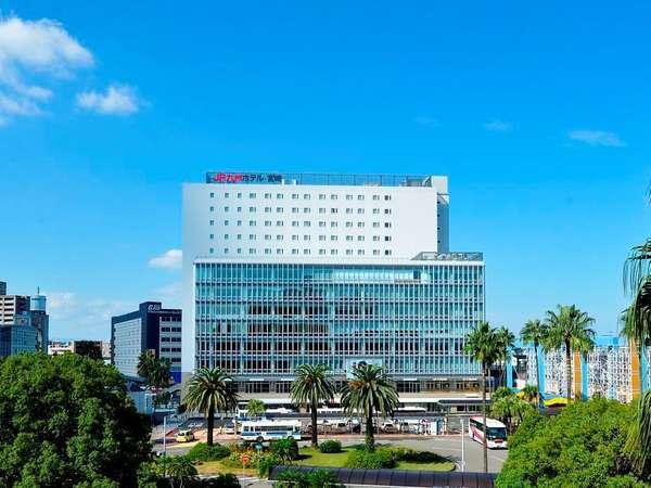 客室は9階~14階に配置。宮崎市街等を一望できる眺望が自慢です。