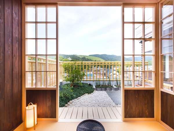 特別客室には東大寺・若草山を眺めることができる茶室があります。