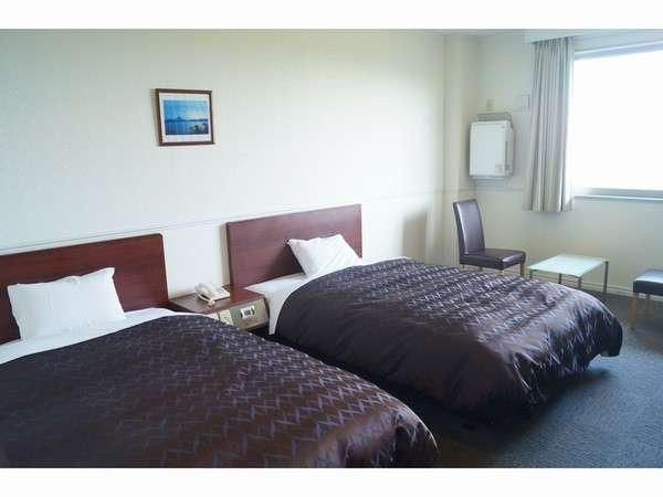 【スタンダードツインルーム】ベッドはセミW仕様なので、広々お寛ぎ頂けます/一例