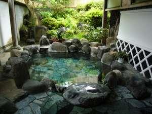 【民宿 うるしや】純和風の湯宿。貸切露天に、貸切内湯で