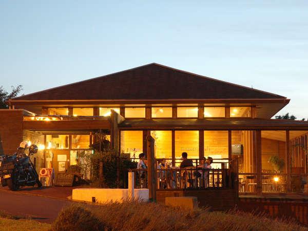 【クラブハウス】喫茶、売店など…宍道湖、簸川平野が望める抜群のロケーションが自慢です♪