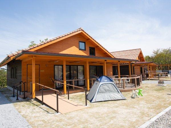 *【グランキャビン】バリアフリー対応、普通車2台駐車OK、敷地内ならテントを張れるスペースも!