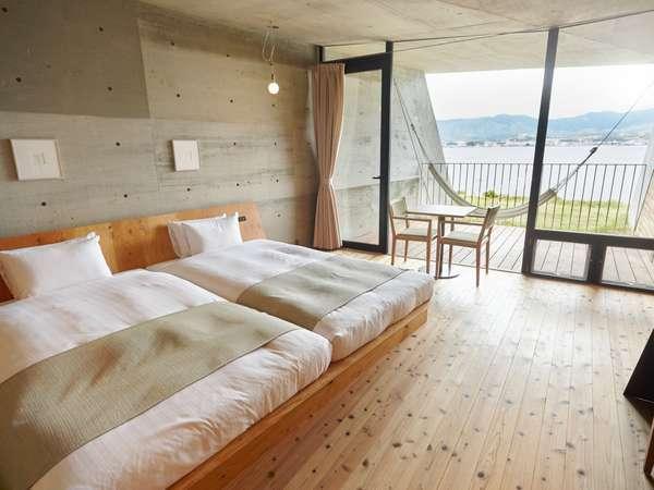 【2F/ゲストルーム】パノラマ琵琶湖ビューとハンモックに揺られる贅沢な時間