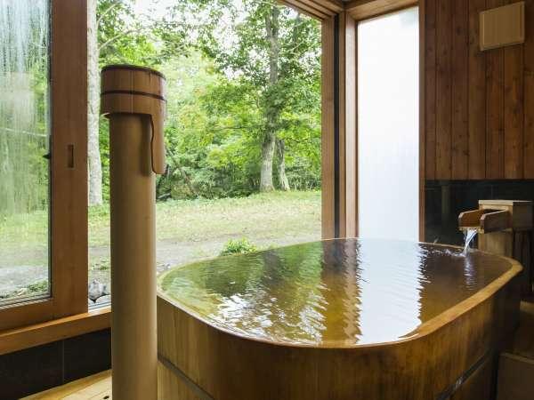 ◆貸切風呂◆3つの貸切風呂(無料)の内の1つ檜風呂「月の湯」。