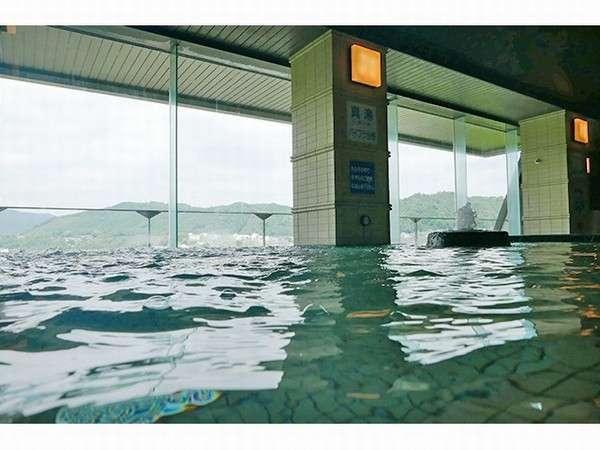 7階 展望大浴場/当宿自慢のpH10.0アルカリ性単純温泉でお肌もしっとりすべすべ。