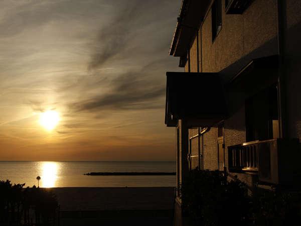 沈む夕陽と共に・海の華