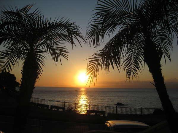 通年を通して輝く夕陽の名所に立地美しい風景も旅の思い出に・・・