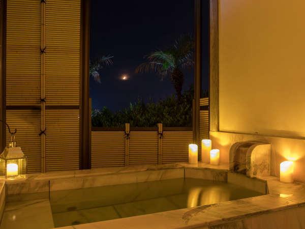 全館ロマンティック灯彩点灯。館内いたるところにキャンドルライトが揺らめいています。貸切露天にも♪