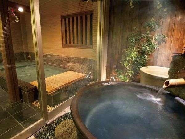 《岩風呂》広めの壷風呂で、ゆったりと・・・