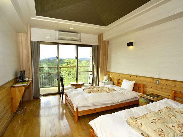 *【ツインルーム一例】シンプルで清潔感にあふれたお部屋です。