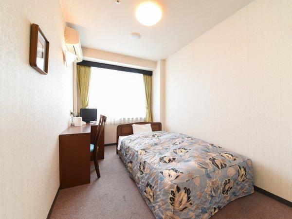 *【洋室シングル一例】やっぱりベッドが落ち着く!快適にお過ごしいただけるお1人様専用の洋室。