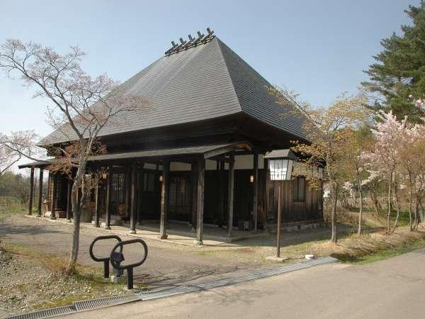 小民家造りの別館和風コテージ「もみじ庵」