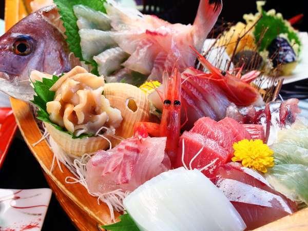 【氷見温泉郷 民宿すがた】【夕食個室】食べて美味しい、見て感動する料理でおもてなしする宿