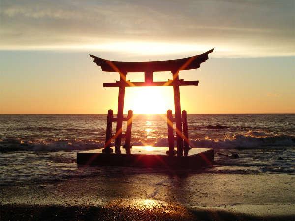 【しょさんべつ温泉 岬の湯】日本海に沈む夕陽と見渡す限りの海岸線!温泉と海の幸に癒される…