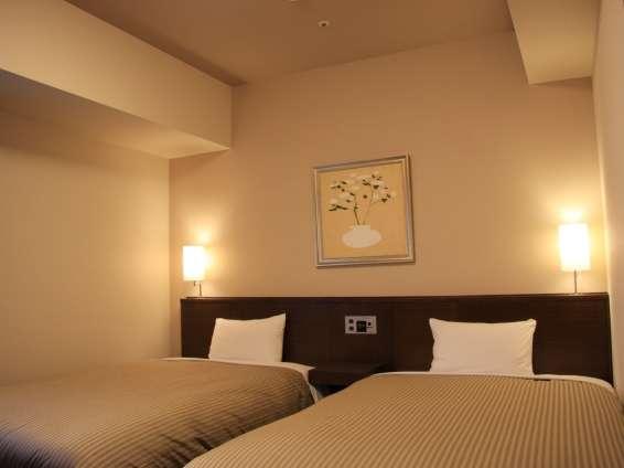 スタンダードツインルームベッドサイズ120×196(cm)無料インターネット完備