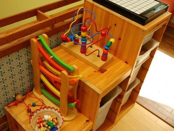 【お子様大歓迎】玩具で遊べるスペースがございます