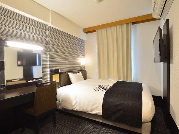 シングルルーム(広さ12.74㎡~13.09㎡/ベッド幅134cm)機能的で使い易く出張や一人旅にお勧めです。