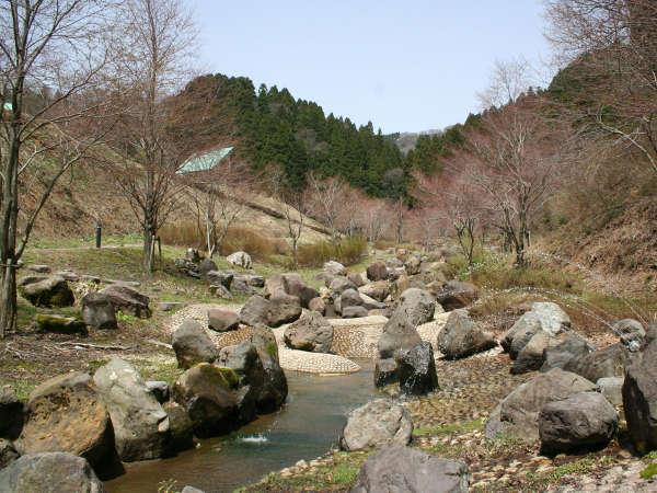 【敷地内一例】コテージ村の公園