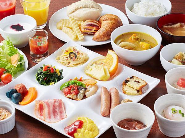 スープカレーやジンギスカンなど北海道産食材を中心とした和洋ビュッフェをご用意しております。