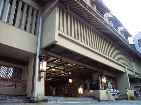 創業380年常盤屋旅館左側に外湯「大湯」があります♪