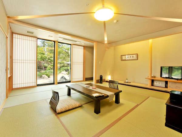 *【禁煙】和室10畳+4畳バストイレ付(全室1階、はぎ公園側)