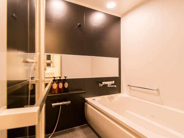 バスルームとトイレは別々の独立タイプ