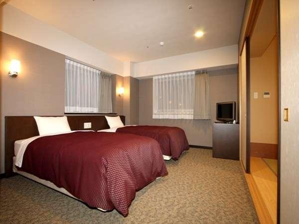ツインデラックス和洋室。和室と洋室の両方を兼ね備えたお部屋です♪