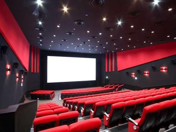 2F映画館「コロナシネマワールド」。最新デジタル3D上映も楽しめます。
