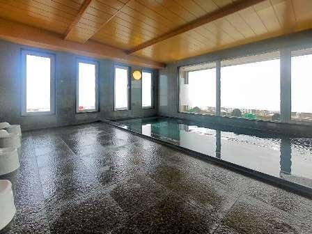 最上階のラジウム人工温泉大浴場