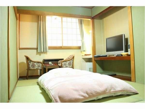 【6畳】お仕事でもレジャーでも足を伸ばしてくつろげる和室は人気です。