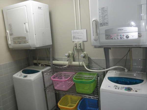 乾燥機付き洗濯機2機ございます