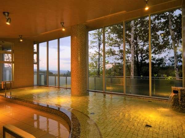 源泉は、富良野大地の地中1,010メートルにある湯脈。【富良野温泉 紫彩の湯】(1)