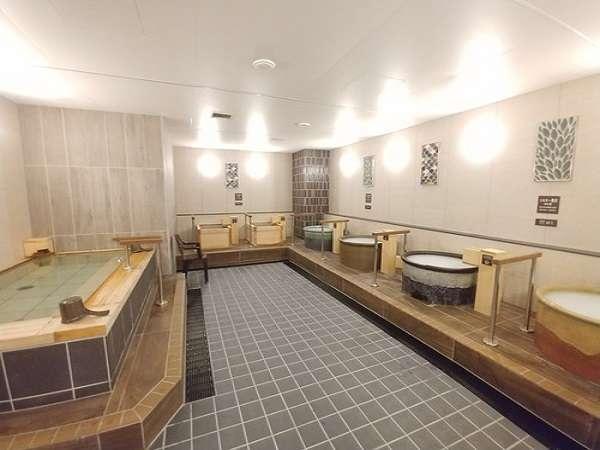 ◆女性用大浴場の浴槽はこんな感じです♪