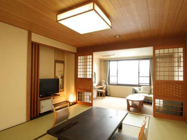◆湖側和室10畳。阿寒湖を望む人気のお部屋です。