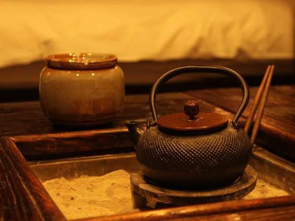 ◆囲炉裏部屋の囲炉裏。和の趣を楽しんで。