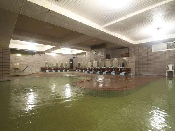 ◆源泉かけ流し100%の大浴場(男性)。