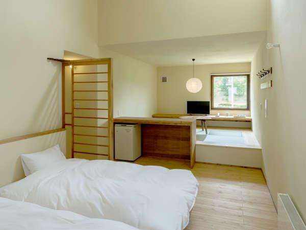 *客室一例/デラックス【目梨別】木の風合いが心地良い、フローリングに和風ベッドスタイルのお部屋