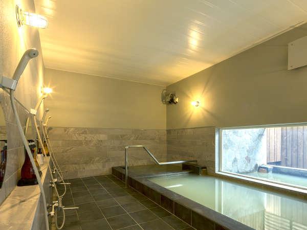 *大浴場一例/世界でも珍しい、オイル成分を含む天然温泉!お肌を潤し体を温めます