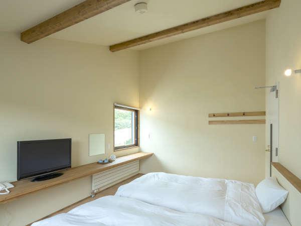 *客室一例/ツインルーム/木の風合いが心地良い、フローリングに和風ベッドスタイルのお部屋