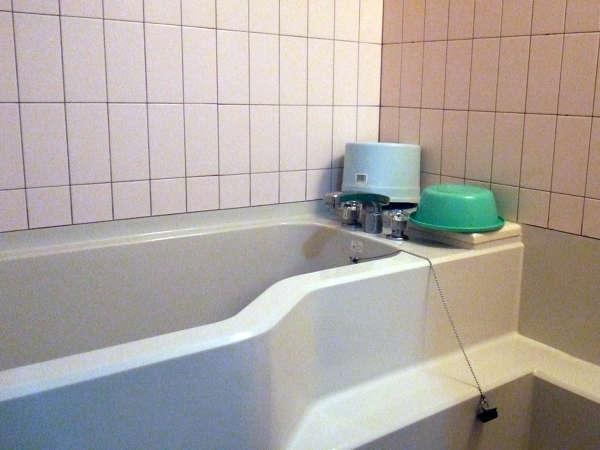 【*和室一例】すべてのお部屋に源泉のお湯をひいております。