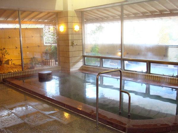 【大浴場】広々とした大浴場にてゆったりとしたひと時をお楽しみください♪
