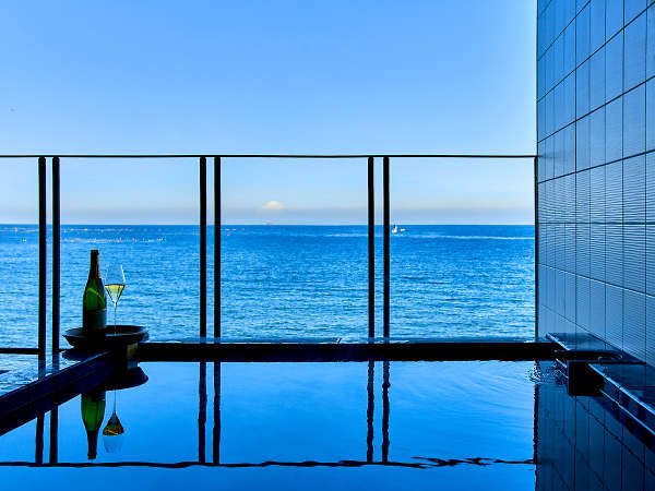 【客室専用露天風呂】露天風呂からは地下600mから湧出する安房の天然温泉です。