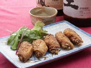 名古屋出身のオーナーが作る本場仕込み、自慢の手羽先の唐揚げは絶品です。