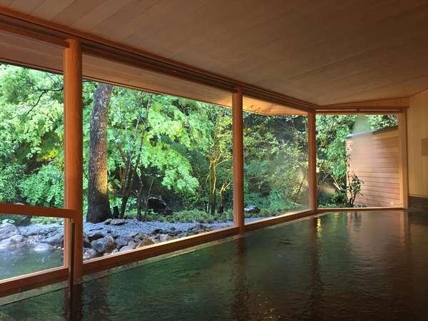 館内大浴場『山の湯』が生まれ変わりました。山中の風景を独り占め。
