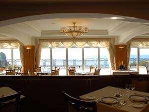 目の前に広がる景色を眺める事ができるレストラン ブラウキュステ
