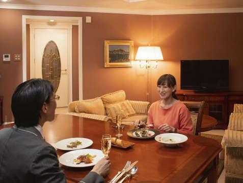 お部屋食もできるオーシャンフロントロイヤルスイート