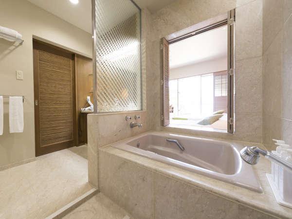 全室大きなバス&シャワー付きで大浴場を利用しない方も多いほど好評をいただきます。