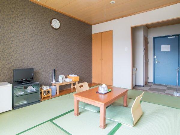 *【和室】(トイレ付き)清潔感のあるお部屋です。ゆっくりお寛ぎください。