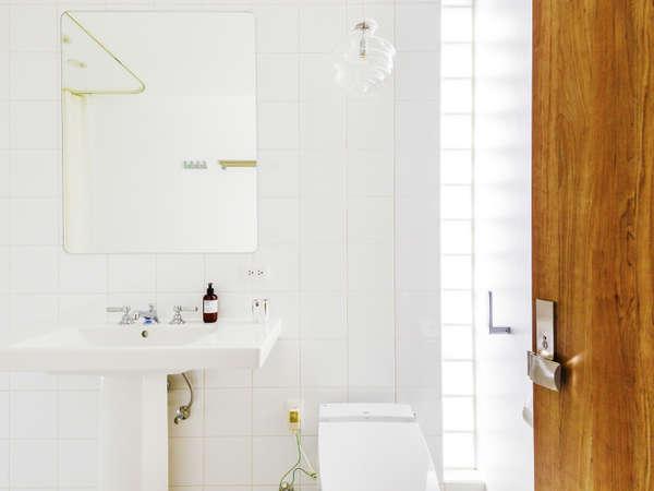 【天空-sora-】デザイナーこだわりの設計。自然光に包まれる空間でお寛ぎ下さい。
