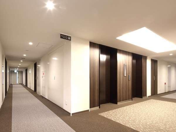 落ち着いた雰囲気のエレベーターホール